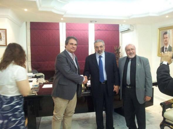 Roberto Fiore z syryjskim ministrem informacji, Omranem Ahedem al-Zuabim. Za: Oficjalna strona Roberto Fiore na portalu Facebook