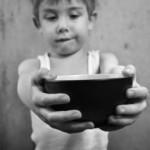 Setki tysięcy głodnych lub niedożywionych polskich dzieci