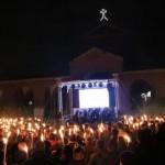 Triumf Idei: Pochodnie, saluty rzymskie i 3000 nacjonalistów w Mediolanie