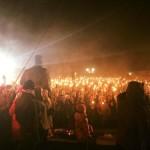 """""""Łotwa jest nasza!"""" – marsz z pochodniami 20 000 osób w Rydze"""