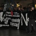 Nacjonaliści pod siedzibą (p)rezydenta: Chwała Niewiadomskiemu!